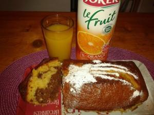 cake au jus d orange et chocolat dans CAKES/MINIS CAKES 526894_659705977381990_1710610782_n-300x225