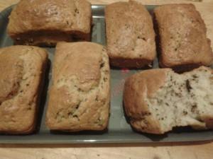 Mini cakes choco/Bananes dans CAKES/MINIS CAKES 524668_683280998357821_1521589511_n-300x225